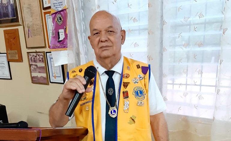 Sesión de Club de Leones en honor a Guillermo Enrique Peña Villeda