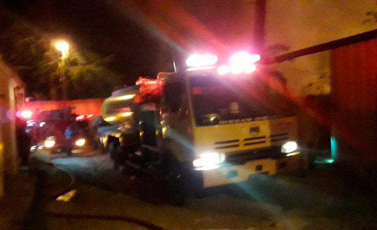Bomberos evitan incendio en Clínica del Adulto Mayor