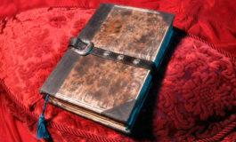 """Alertan por distribución de conjuros maléficos sacados del """"Libro de los Muertos"""""""