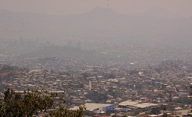 Alerta por aumento de contaminación del aire en la capital