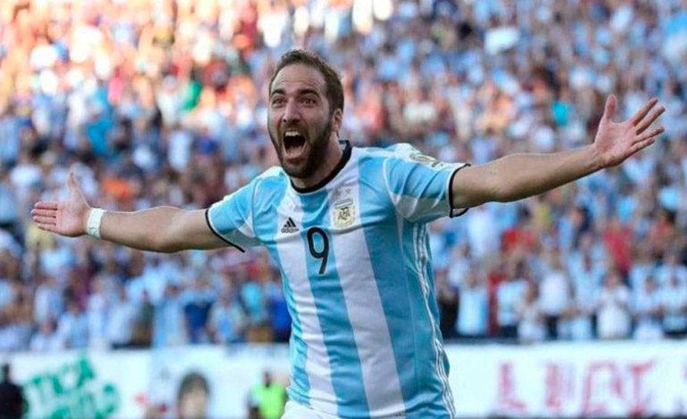 Higuaín se retira de la selección argentina