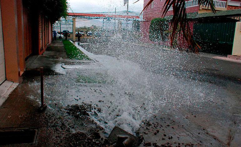 Aplicarán severas multas por despilfarro de agua del SANAA