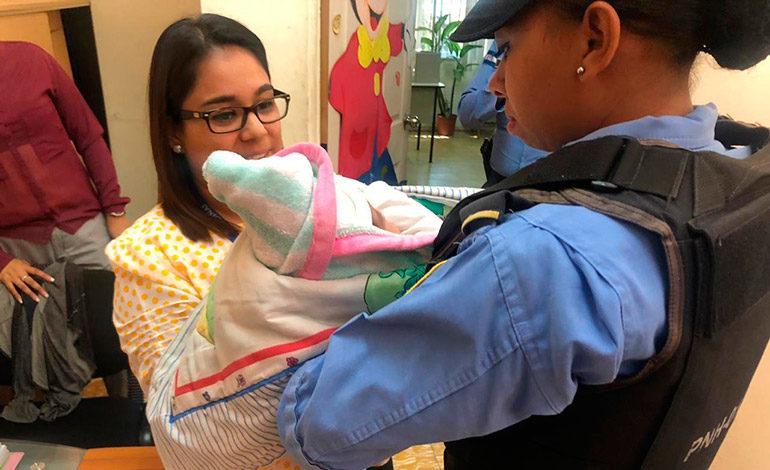 Bebé abandonada está bajo protección del Dinaf