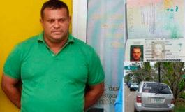$310 mil encuentran en caleta de carro en Colón