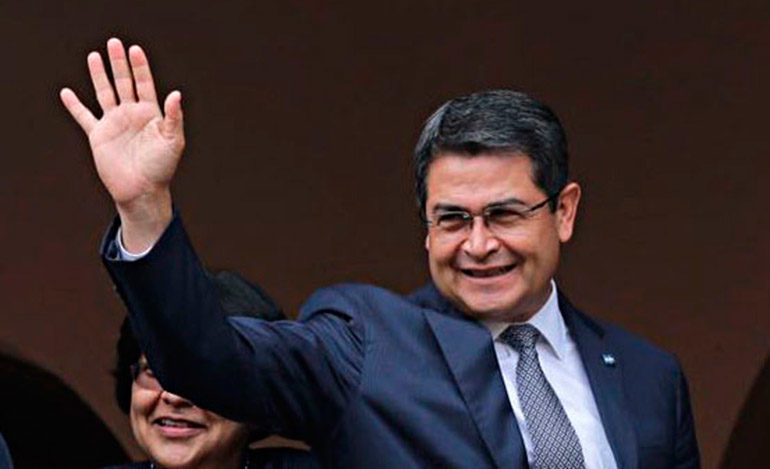 Presidente Hernández felicita a los padres hondureños en su día