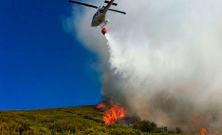 15 mil abonados sin agua, porque se usó en incendios