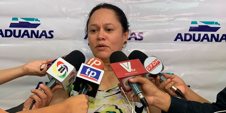 Linda Almendarez.