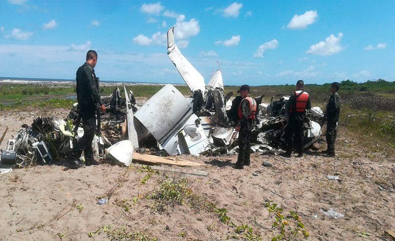 Encuentran avioneta incinerada en Puerto Cortés
