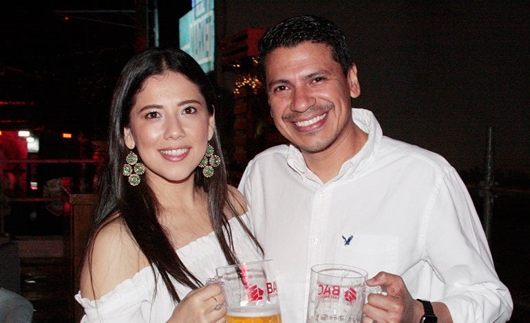 Maricela Medina y Yadir Torres.