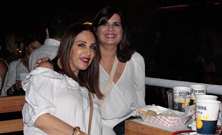 Marcia Facussé y Elzette Casanova.