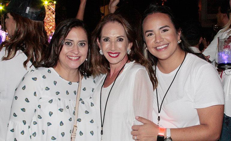 Valeria Ríos, Ana Cristina Aguilar, Ángela Andonie.