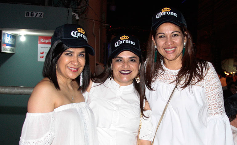 Martha Ivonne Romero, Eybi Aguirre, Karla Ávila.
