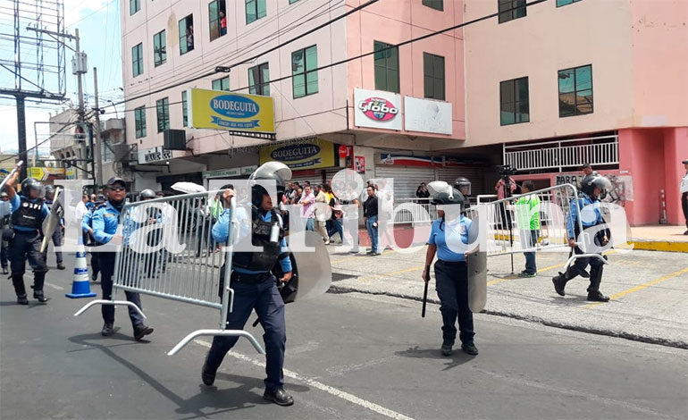 Captura del  periodista  David  Romero  en  Radio  Globo