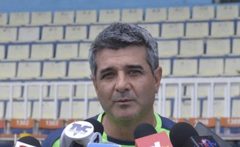 """Diego Vázquez: """"Lobos es un equipo agresivo y aguerrido"""""""