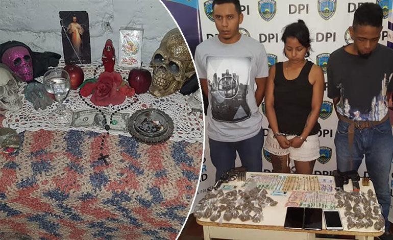 """Con altar a la """"Santa Muerte"""" caen tres presuntos distribuidores de drogas"""