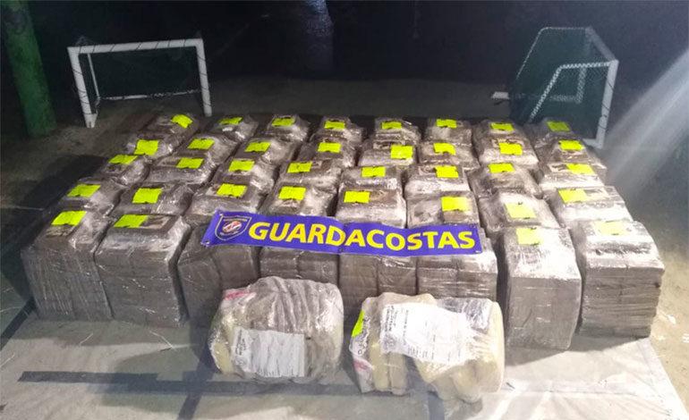 Costa Rica detiene a tres colombianos con 600 kilos de cocaína