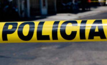 Hombre muere al interior de carro en la colonia Cerro Grande