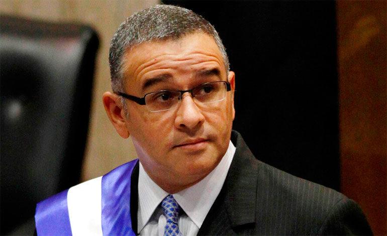 El Salvador: acusan a expresidente Funes de evasión fiscal