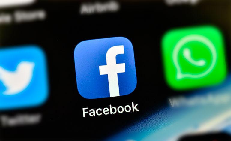 """Facebook ofrecerá subvenciones para combatir los """"desiertos de noticias"""""""