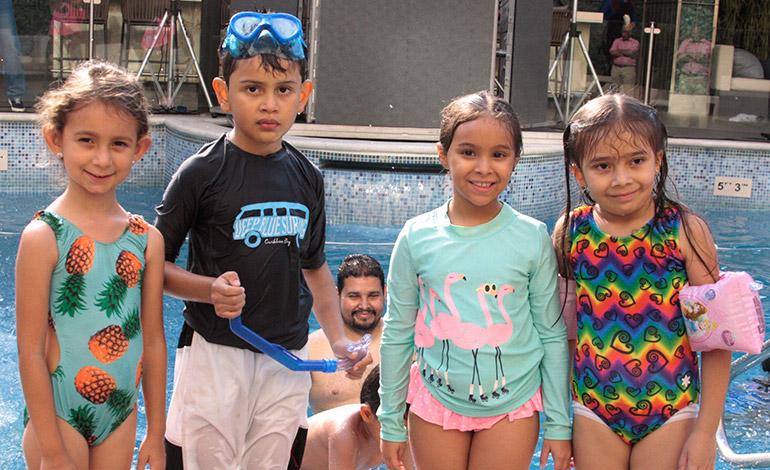 """Gadiel Fernando Díaz celebra su cumpleaños con una """"pool party"""""""