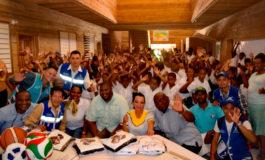 Vida Mejor llega a escolares de isla Santa Elena