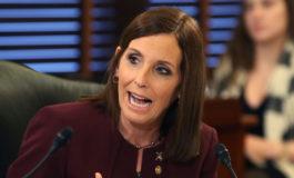 Senadora de EEUU asegura que fue violada mientras estuvo en la Fuerza Aérea