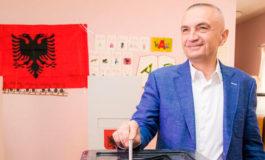 Presidente albanés dispuesto a dimitir o suicidarse para solucionar crisis