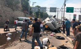 Dos personas muertas en aparatoso accidente de camión en El Carrizal (Video 911)