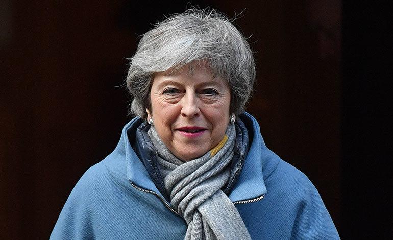 """May no puede volver a presentar """"el mismo"""" acuerdo de Brexit al Parlamento"""