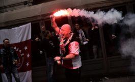 Policía denuncia a 54 ultras del Ajax armados con machetes y cuchillos