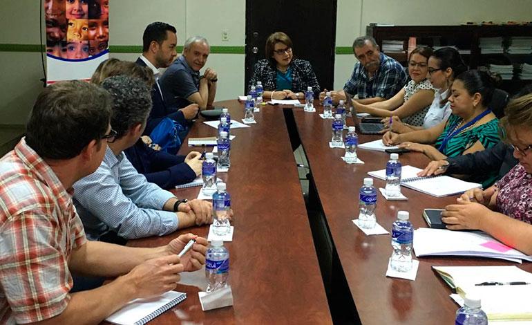 Delegación internacional de Aldeas Infantiles SOS visita la Dinaf