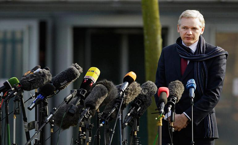 Acusación a Assange marca brusco viraje en posición de EEUU