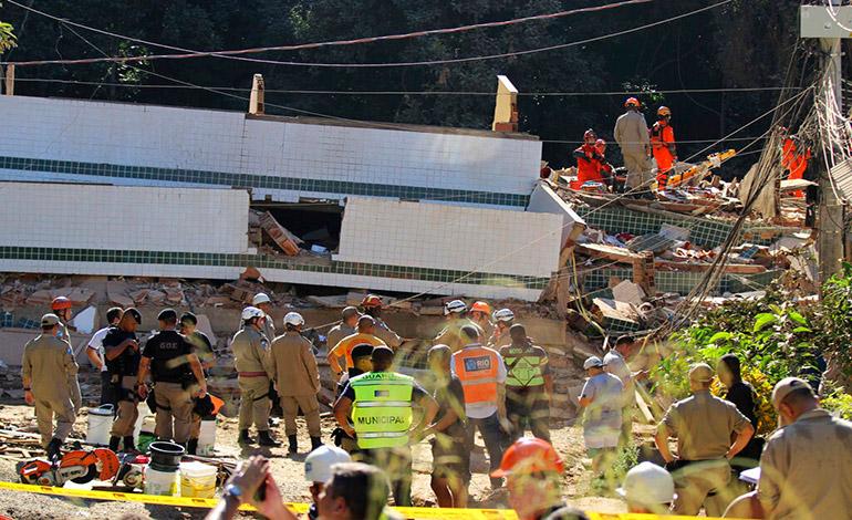 Suben a nueve los muertos por derrumbe en Brasil