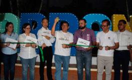 """Alcaldía de Cantarranas entrega placa """"Marca Ciudad"""" a JICA"""