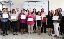 Listas para emprender su negocio con el apoyo de Ciudad Mujer y Lacthosa