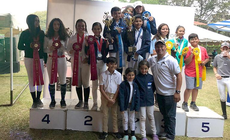 Delegación de equitación Primera en Centroamericano