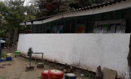 Urge reparar techo podrido de escuela en San Juancito