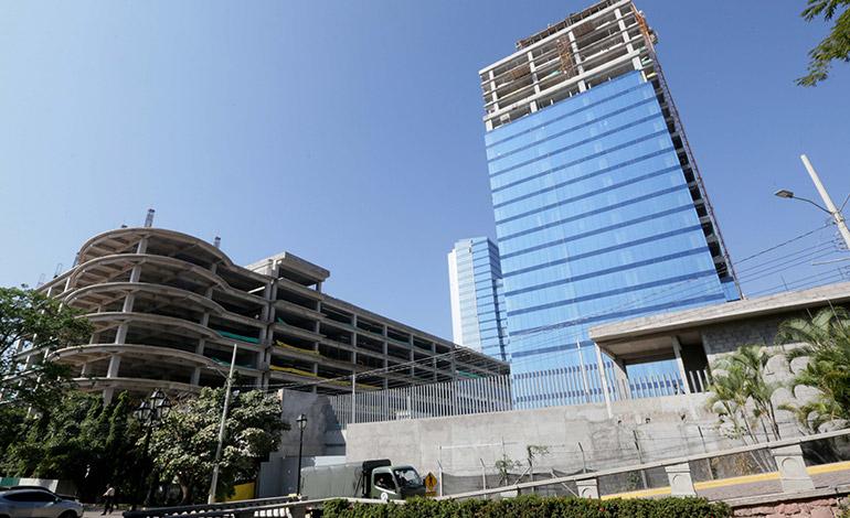 Con la Expo Emprende abre sus puertas al público el Centro Cívico Gubernamental