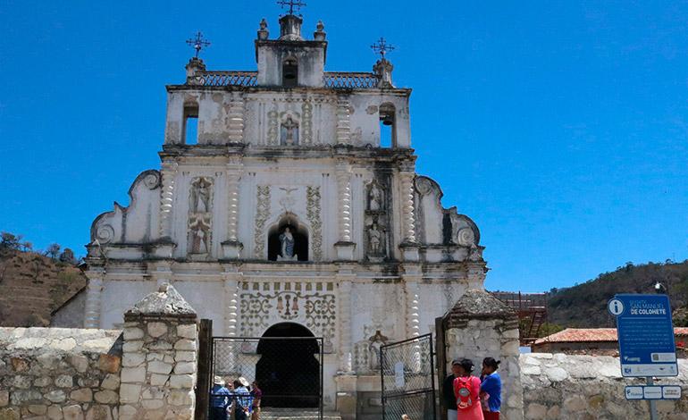 Abierta al público restauración de iglesia de 298 años