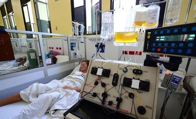 Más médicos y equipo en salas de emergencia