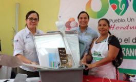 Donan materiales a microempresarios de dulces tradicionales en Cantarranas