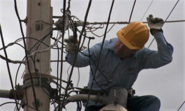 """Economistas: """"ENEE pierde 35% de energía que compra"""""""