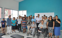 Pacientes renales reciben bono municipal para su tratamiento