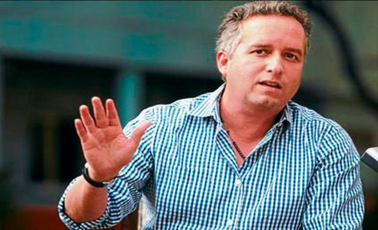 Ricardo Álvarez dice que se deben mejorar estadios hondureños