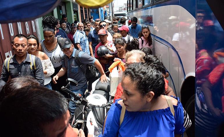 Unos 3,5 millones de hondureños se movilizarán en Semana Santa