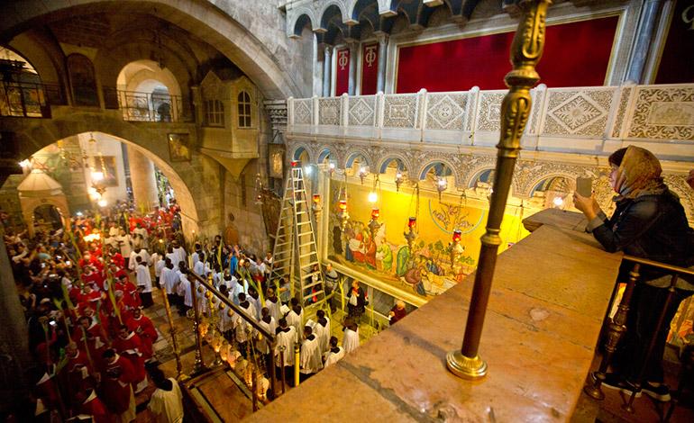 Peregrinos acuden a Tierra Santa para Domingo de Ramos