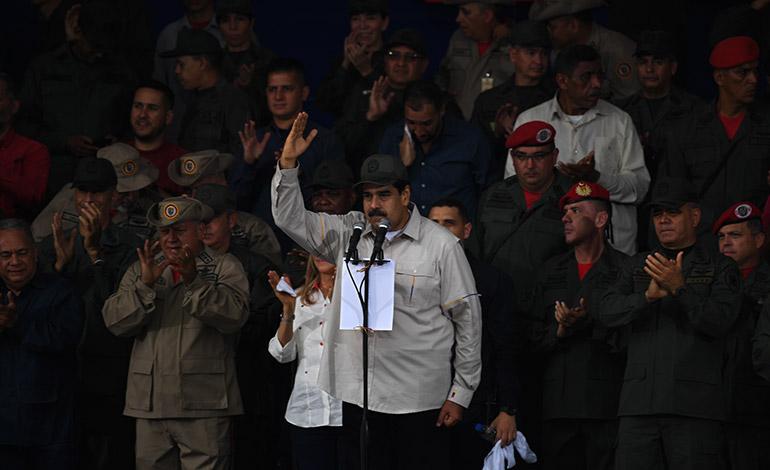 """Oficialistas denuncian """"golpe"""" en Venezuela al recordar alzamiento contra Chávez"""