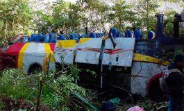 Bus cae a precipicio en Bolivia con saldo de 25 muertos