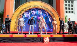 """Actores de """"Avengers: Endgame"""" dejan sus huellas en el Paseo de la Fama (Video)"""
