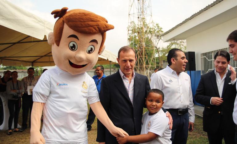 """Emilio Butragueño en Honduras, sigue """"Formando Campeones"""""""